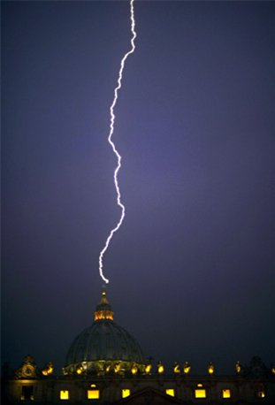 Lightning-st-peters2