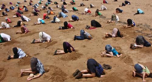 Head-in-sand-europeans